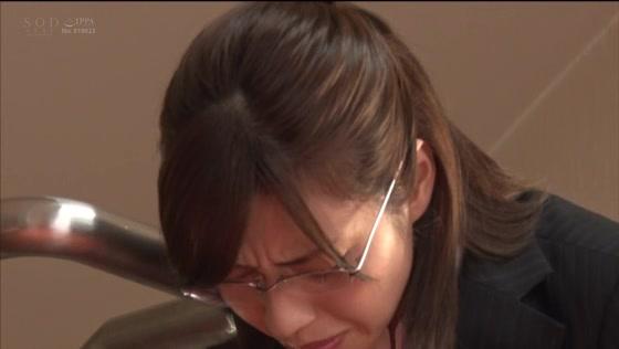 市川まさみ 利尿剤で連続ハメ失禁する美人女教師